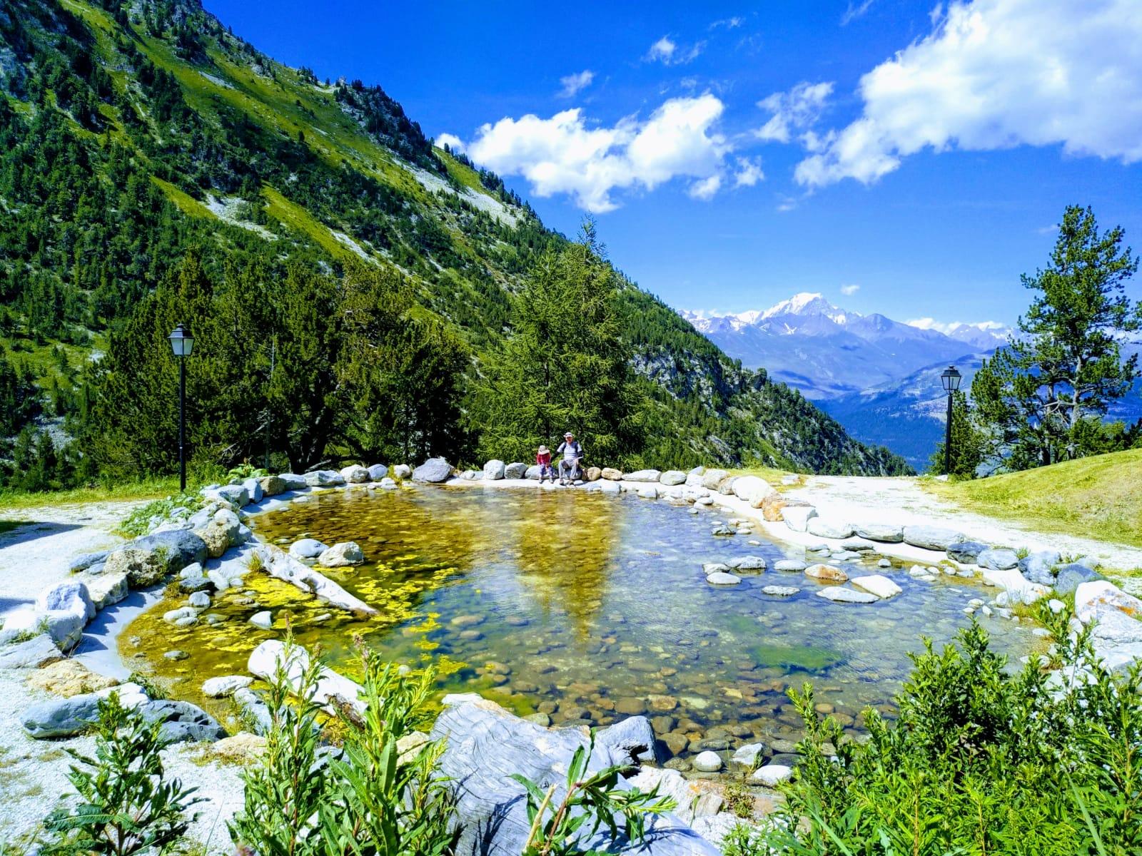 אגם באלפים הצרפתיים